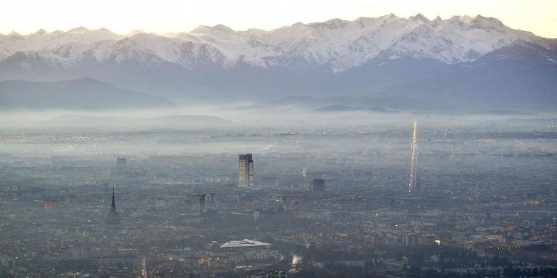 Roma, capitale dell'inquinamento: torna il blocco del traffico