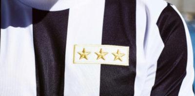 Che maglia è quella con cui gioca oggi la Juventus