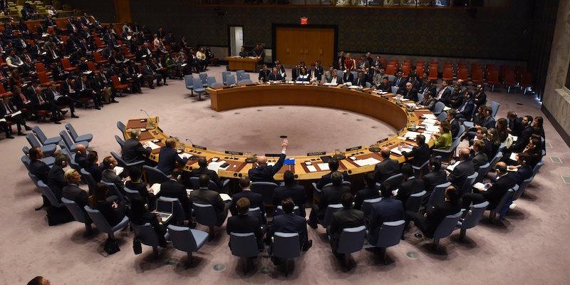 La Russia ha bloccato una risoluzione ONU per indagare sugli attacchi chimici in Siria - Il Post