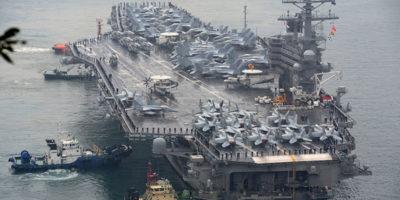 Otto delle undici persone a bordo dell'aereo della Marina statunitense caduto nell'oceano Pacifico sono state salvate