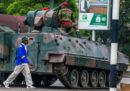 In Zimbabwe comanda l'esercito, ora