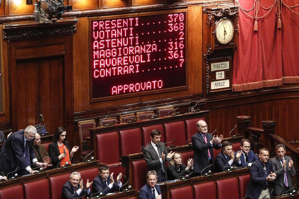 Album fotografico dell 39 ultima legislatura il post for Composizione della camera dei deputati