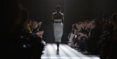 Balenciaga unificherà le sue collezioni uomo e donna