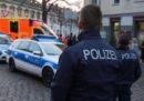 La polizia tedesca dice di avere trovato un oggetto contenente esplosivo nel mercatino di Natale di Potsdam