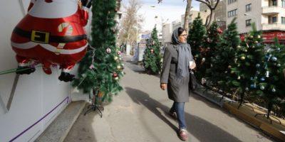 """In Iran chi viola i """"codici islamici"""" non sarà più messo in carcere: sarà """"educato"""""""