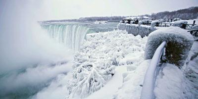 Le foto delle cascate del Niagara ghiacciate