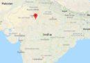 Almeno 32 persone sono morte nell'incidente a un pullman nel Rajasthan, nell'India settentrionale