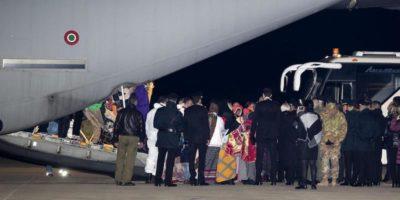 """L'agenzia ONU per i rifugiati ha trasferito 162 persone """"vulnerabili"""" dalla Libia all'Italia"""