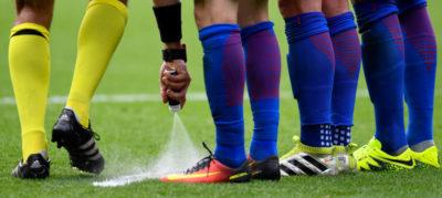 Forse la FIFA ha fatto un guaio con lo spray degli arbitri