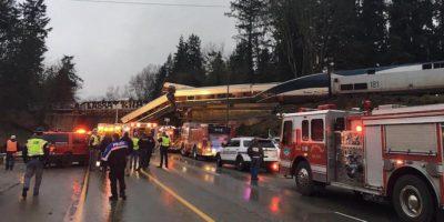 Il treno passeggeri deragliato vicino a Seattle