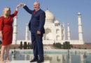 Politici in posa davanti al Taj Mahal