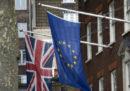 Il numero degli europei che stanno lasciando il Regno Unito non era così alto da dieci anni