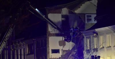 Un edificio è crollato ad Anversa dopo un'esplosione
