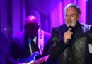 Neil Diamond smetterà di fare concerti, perché gli è stato diagnosticato il morbo di Parkinson