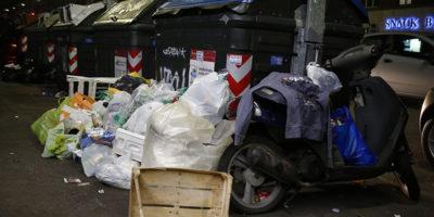 """Perché si parla di """"emergenza rifiuti"""" a Roma"""