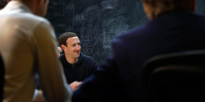 Facebook ci vuole più felici, dice