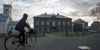 Cosa prevede la legge sulla parità salariale tra donne e uomini in Islanda