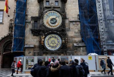 L'orologio astronomico di Praga è stato fermato per una delicata riparazione