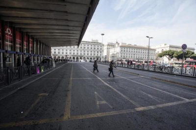 Roma, treno esce dai binari. Ritardi e disagi alla stazione Termini