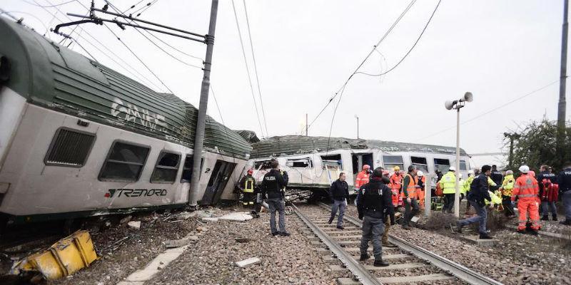 Il grave incidente ferroviario fuori milano il post - Trenord porta garibaldi ...