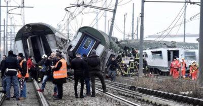 Milano . Deraglia treno pendolari: tre donne morte