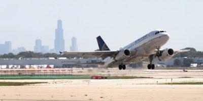 La creativa trovata di United Airlines per risparmiare carburante