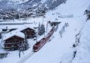 A Zermatt sono arrivati i primi treni per trasportare i 13mila turisti rimasti bloccati a causa delle forti nevicate