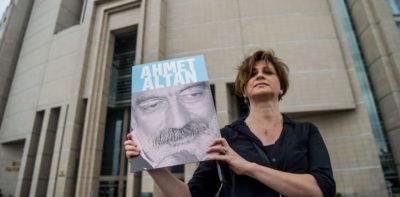 Un tribunale turco ha condannato all'ergastolo tre giornalisti accusati di avere appoggiato il colpo di stato del 2016