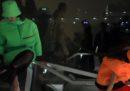 La sfilata di Prada sulla notte di Milano