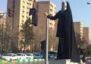 La polizia iraniana ha arrestato a Teheran 29 donne perché si sono tolte il velo in pubblico per protesta