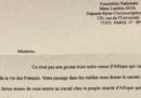 La lettera con insulti razzisti e minacce di morte che ha ricevuto una deputata francese