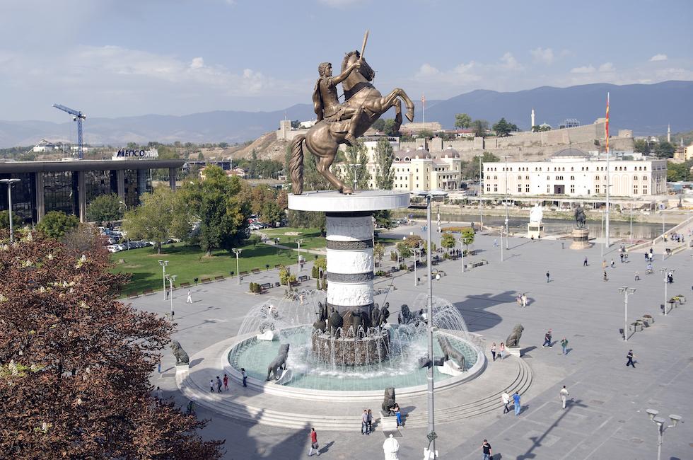 Atene, migliaia contro accordi Macedonia