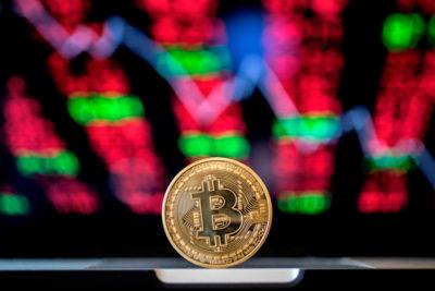 Il valore dei bitcoin è sceso ancora, arrivando sotto i 4.000 dollari per unità