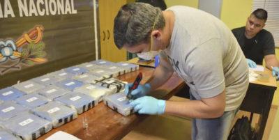 Dal mondo/Argentina, sequestrati 400 chili di cocaina nell'ambasciata russa: smantellata organizzazione criminale