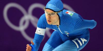 Nicola Tumolero ha vinto la medaglia di bronzo nei 10.000 metri del pattinaggio di velocità alle Olimpiadi di Pyeongchang