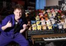 Un inventore inglese ha costruito un organo con 44 Furby