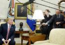 """Donald Trump ha detto di voler vietare i """"bump stocks"""", i dispositivi che aumentano la frequenza di spari delle armi"""