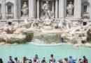 Dal primo aprile le monete lanciate nella Fontana di Trevi potrebbero andare al comune di Roma e non più alla Caritas
