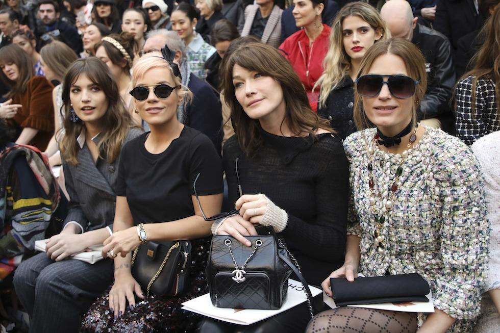 100% autentico 100% di alta qualità A basso prezzo La sfilata di Chanel in un bosco, a Parigi - Il Post