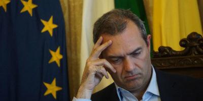 Napoli rischia il dissesto finanziario