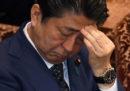 Shinzo Abe è di nuovo nei guai
