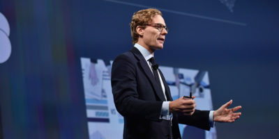 Cambridge Analytica ha sospeso il suo CEO Alexander Nix
