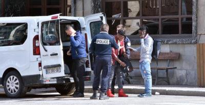 Cos'è successo nel centro migranti a Bardonecchia