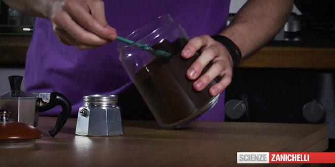 Come fa l'acqua a diventare caffè