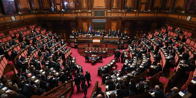 Per camera e senato tutto rimandato il post for Le due camere del parlamento