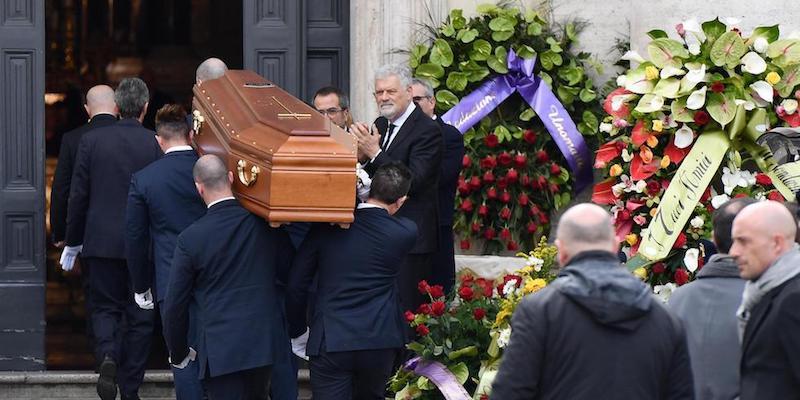 Risultati immagini per funerale frizzi