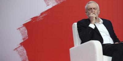 Perché nel Partito Laburista britannico si litiga sull'antisemitismo, di nuovo