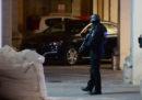 La donna al centro dell'inchiesta di corruzione che sta coinvolgendo il primo ministro maltese si è consegnata alla polizia greca