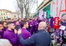 L'omaggio dei giocatori della Fiorentina a Davide Astori