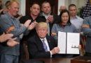 Trump continua a minacciare una guerra commerciale con l'Europa